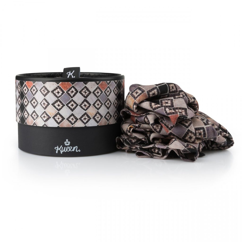 Luxury scarf for men made of wool from Kueen, inspired by italian basilica san marco in venice