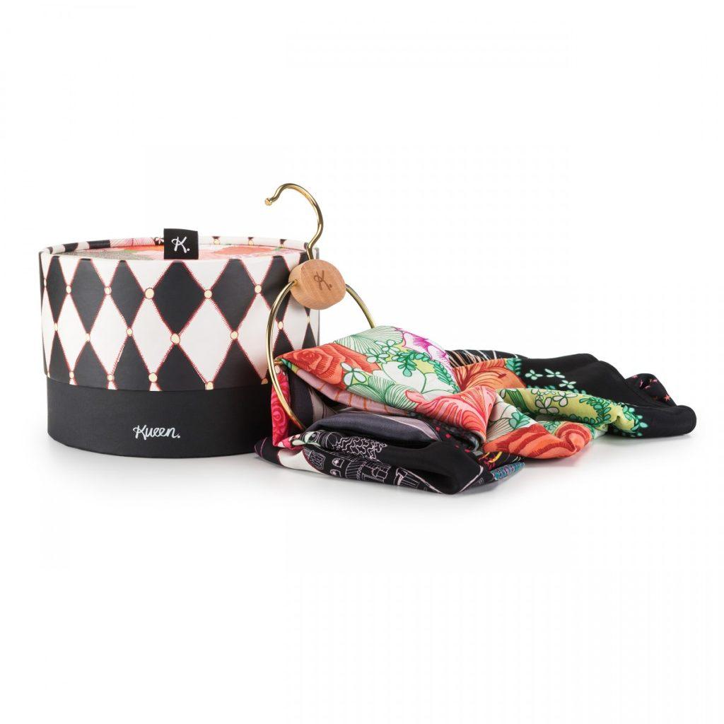 WEB_Kueen-Venezia-Collection_box+scarf+hanger_Carnevale-1200x1200