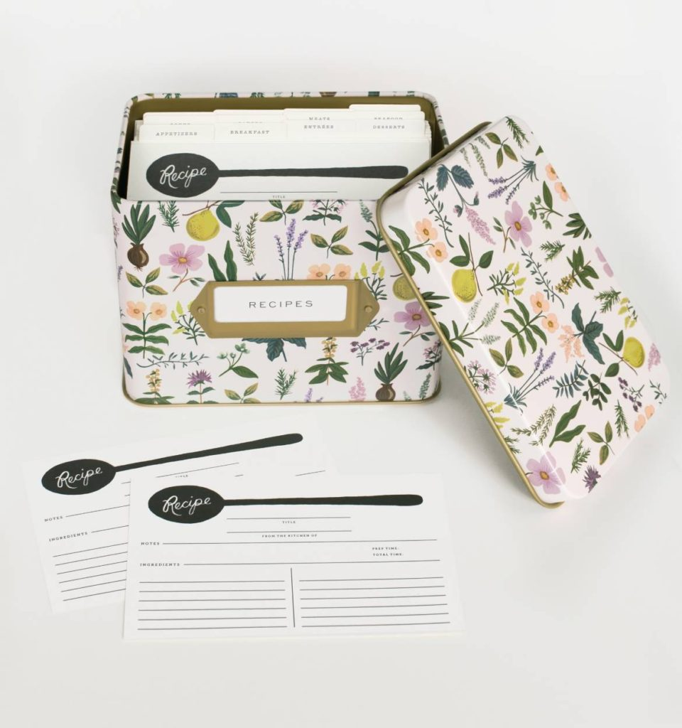 kitchen gift recipe box with cards inside