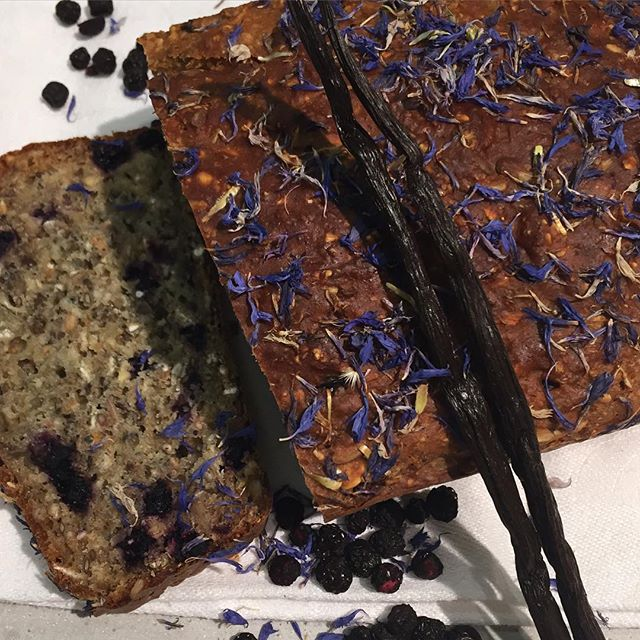baking flowers edible plants to bake with